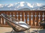 La terrasse face à la chaîne du Mont-Blanc.