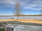Enjoy all the splendors of Lake Greenwood right in your backyard!