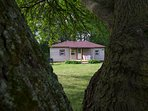 Country Cottage - Lakefront Cottages on Semi-private Lake, Beach, Boats, Fun!