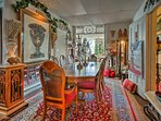 A unique St. Louis getaway awaits 4 guests at this bohemian vacation rental apartment.