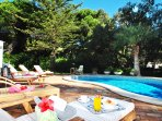 CHARMING 5 BED VILLA WITH SWIMMING POOL, AIR CON, FREE WI-FI, BBQ & MORE...