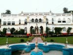 Front view of Govind Niwas Palace