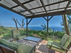 NEW! 2BR 'View House' in Laupahoehoe w/Ocean Views