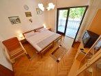AP1/4 bedroom