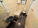Ap 1/4 bathroom