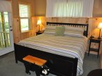 Toccoa Fish Trap_Master King Suite  Area_Enchanted Mountain Retr
