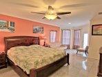2nd floor Master suite, King size memory foam , cable TV, balcony access, en suite bathroom, jacuzzi