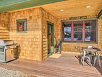 If you are traveling with a larger group, be sure to check the availability of the neighboring cabins (Evolve listing...