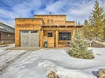 A grand getaway awaits you at 'Woody's Bunkhouse,' a 3-bedroom, 2-bathroom vacation rental cabin in the heart of Grand...