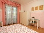 Bedroom 1, Surface: 14 m²
