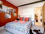 Hidden Gem's lovely bedroom (Copyright: Exclusively Warwickshire)