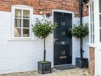 Hidden Gem has its own private entrance and gated pedestrian access to the High Street
