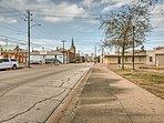 This ideally situated apartment grants easy access to all the best of Galveston's attractions!