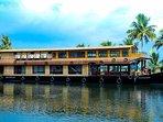 Houseboat Cruise - jonjes Holidays
