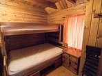 The cabin accommodates up to 6 guests.
