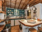 Adorable kitchen has everything you need!