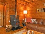Log burner with plentiful supply of logs
