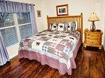 Master King Bedroom Cedar Lodge