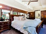 Bedroom with King size sleigh bed