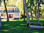 Oria Beachfront House / Campement pieds dans l'eau, Family friendly, free Wi-Fi