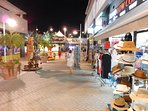 Gran Alacant commercial centre with supermarkets, shops, bars and restaurants open until late