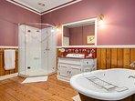 Kerville House - Main bathroom