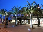 Gran Alacant commercial centre with supermarkets, shops, bars and restaurants
