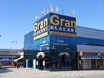 Gran Alacant commercial centre with supermarkets, shops, bars and restaurants open until late.