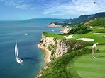 Within 10 km there are 3 world-class golf courses.  They offer the more upmarket facilities...,