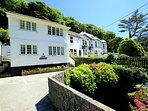 Shellseekers No2 - First Floor. Situated in the resort of Polperro. Private parking and Wi-Fi.