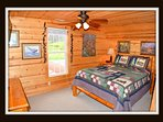 5 out of 5 bedrooms - queen bed - upper level