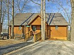 Experience the Midwestern paradise of Branson in this 2-bedroom, 2-bathroom vacation rental home for 8.