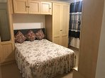 Double Bedroom, close to M1 and A57 direct transport to Sheffied by Bus and Tram