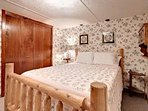 Willow Brook Queen Bedroom