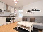 Amazing Renovated 1 Bed Sleeps 4 in NW London TR2