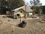 The castaway  lake side tent cottage