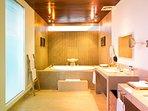 Sanur Residence - Villa 2 - Master Bathroom