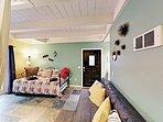 1st-Floor Living Room