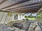 You'll love unwinding in your private outdoor oasis during your trip to Waimanalo!