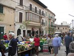 Markttag in Santanyi
