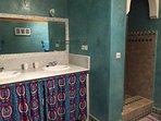 salle de bain Lavabos et douche