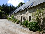 Chestnut Cottage with beautiful pierre apparente facade