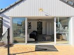 Pool House, Aircon, Queen, King Single, Tv, xbox and ensuite