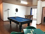 Games room - Bilhar / Pool table and table games