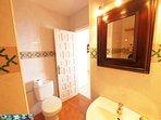 bathroom with shower / WC / washing machine