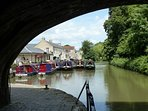 Take a stroll along the Kennet and Avon canal leading straight into the centre of Bath