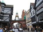 Chester city centre 5 mins walk from apartment