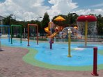 children splash pad