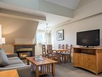 Relax near the fireplace while you enjoy an film in the evening on the flat screen!