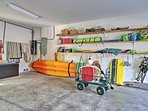 This home provides a 3-person kayak for you to cruise the gulf.